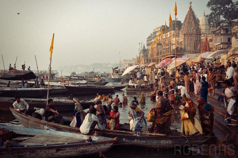 Sapta Puri - Ghats de Varanasi a primera hora del dia